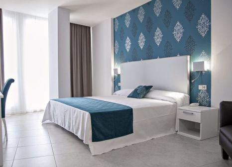 Hotelzimmer mit Mountainbike im Costa Conil by Fuerte Group
