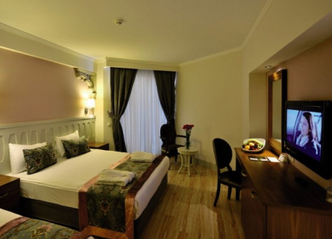 Hotelzimmer mit Volleyball im Side Crown Serenity