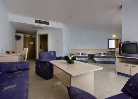 Hotelzimmer mit Volleyball im Dolphin Marina