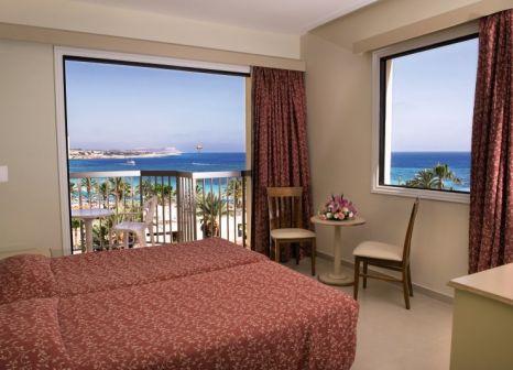 Hotelzimmer mit Volleyball im Stamatia Hotel