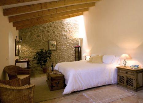 Hotelzimmer mit Mountainbike im Dalt Muntanya