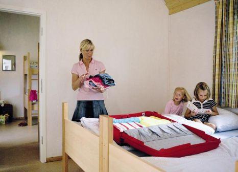 Hotelzimmer mit Tischtennis im Heide-Park Holiday Camp