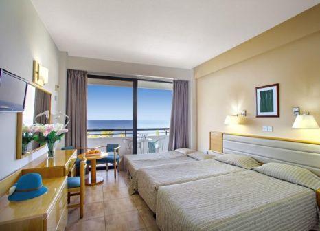Hotelzimmer mit Volleyball im Cavo Maris Beach