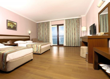 Hotelzimmer mit Mountainbike im Lyra Resort & Spa