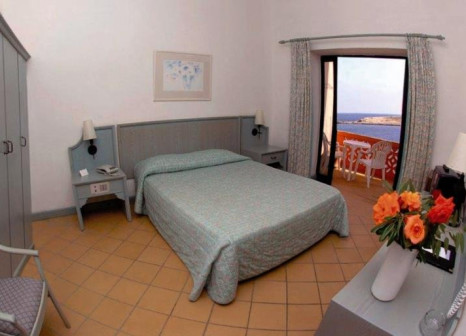 Hotelzimmer im Comino Hotel günstig bei weg.de