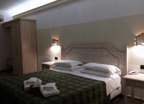 Hotelzimmer mit Tennis im Pausania Inn