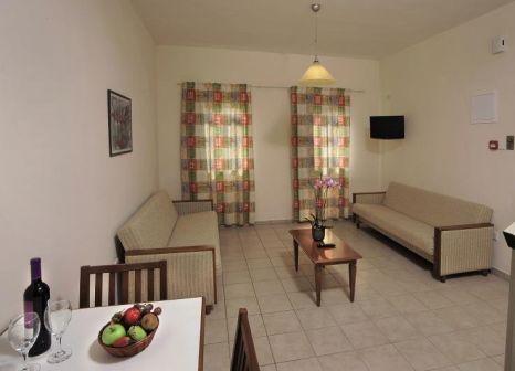 Hotelzimmer mit Mountainbike im Nissiana Hotel