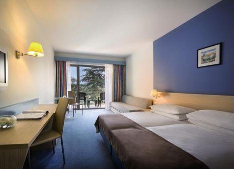 Hotelzimmer mit Volleyball im Remisens Hotel Lucija