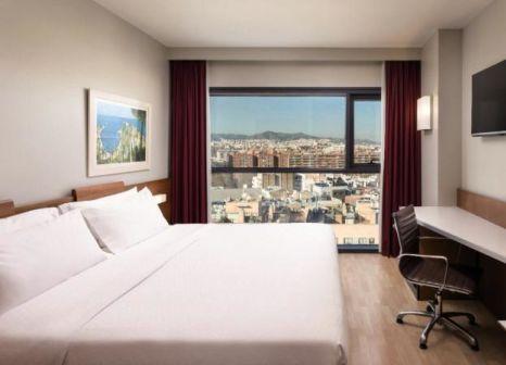 Hotelzimmer mit Mountainbike im Four Points by Sheraton Barcelona Diagonal