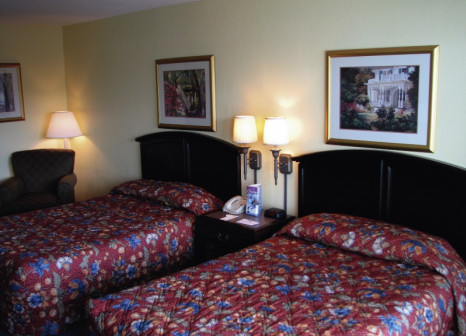 Hotelzimmer mit Tennis im Seralago Hotel & Suites Maingate East