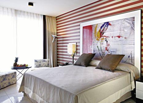 Hotelzimmer mit Mountainbike im Royal Hideaway Sancti Petri