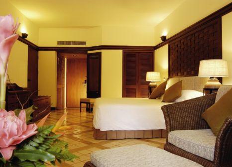 Hotelzimmer mit Mountainbike im Hilton Phuket Arcadia Resort & Spa