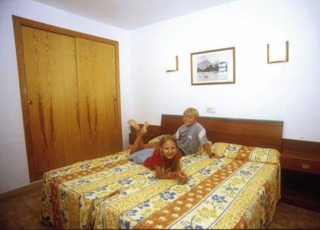 Hotelzimmer mit Volleyball im Globales Cala Bona Suites