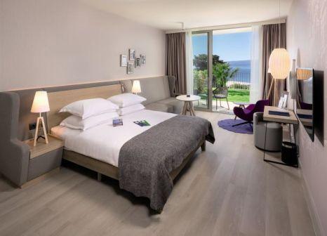 Hotelzimmer mit Mountainbike im Radisson Blu Resort & Spa Split