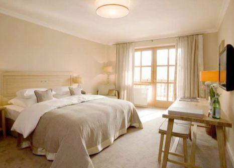 Hotelzimmer mit Yoga im Bachmair Weissach Spa & Resort