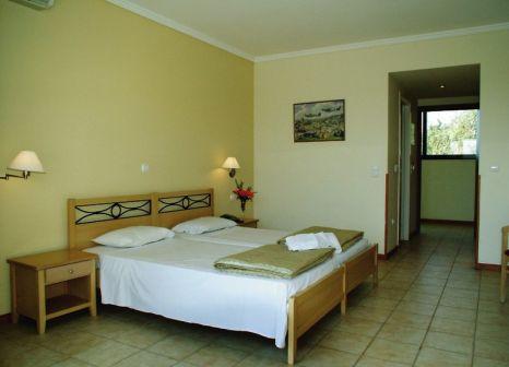 Hotelzimmer mit Tischtennis im Hotel Telemachos