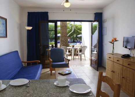Hotelzimmer mit Mountainbike im Fayna