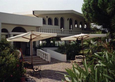 Hotel Villaggio Pineta Petto Bianco günstig bei weg.de buchen - Bild von 5vorFlug
