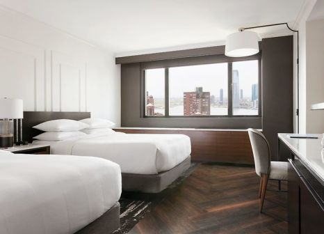 Hotelzimmer mit Kinderpool im New York Marriott Downtown