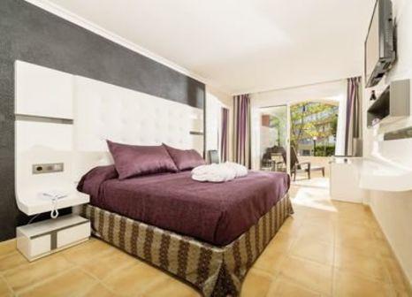 Hotelzimmer mit Golf im Sallés Hotel Marina Portals