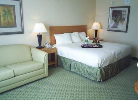 Hotelzimmer im The Florida Hotel & Conference Center at the Florida Mall günstig bei weg.de
