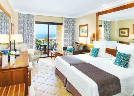 Hotelzimmer mit Volleyball im GF Gran Costa Adeje