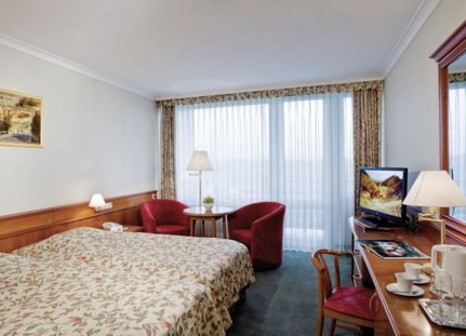 Hotelzimmer mit Mountainbike im Thermal Hévíz