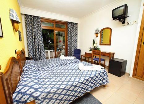 Hotelzimmer mit Volleyball im JS Yate