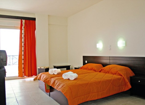 Hotelzimmer mit Sandstrand im Villa Maxine
