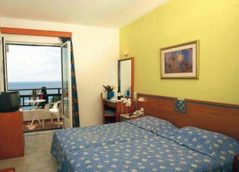 Hotelzimmer im Glicorisa Beach Hotel günstig bei weg.de