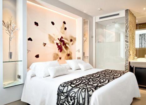Hotelzimmer mit Mountainbike im Barceló Illetas Albatros