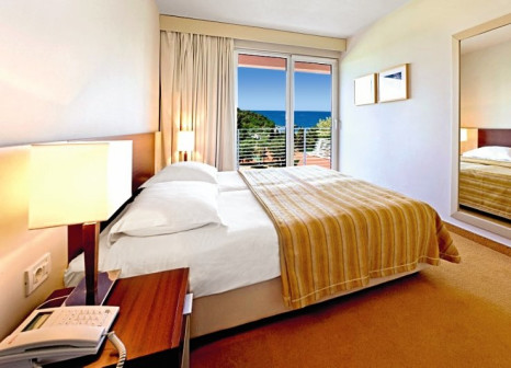 Hotelzimmer mit Mountainbike im Hotel Albatros Plava Laguna