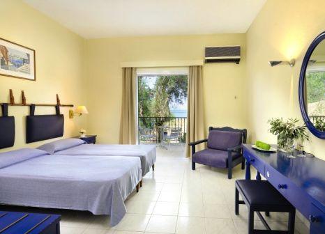 Hotelzimmer mit Mountainbike im Louis Corcyra Beach