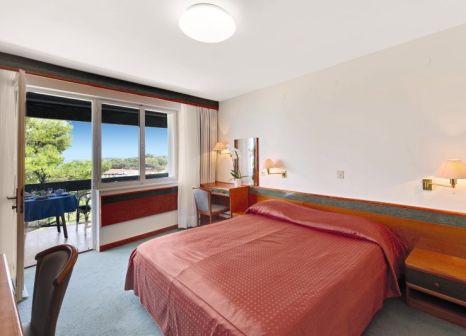 Hotelzimmer mit Volleyball im Hotel Pineta