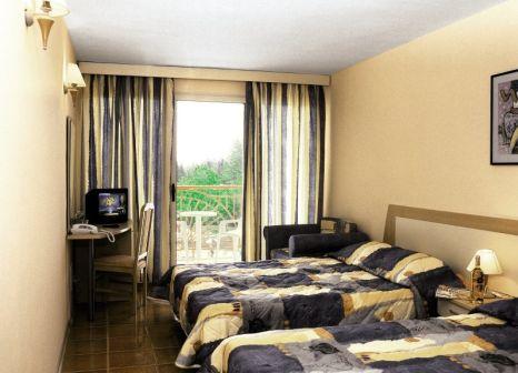 Hotelzimmer mit Mountainbike im Vita Park Hotel