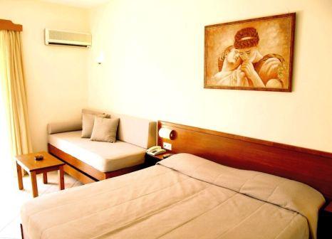 Hotelzimmer mit Mountainbike im Odyssia Beach