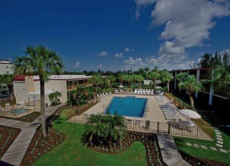Hotel Red Roof PLUS+ & Suites Naples günstig bei weg.de buchen - Bild von 5vorFlug