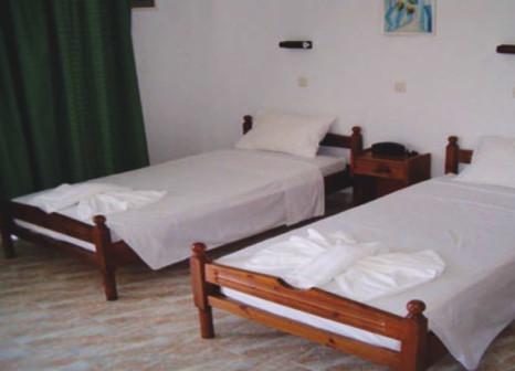 Hotelzimmer mit Mountainbike im Anagros