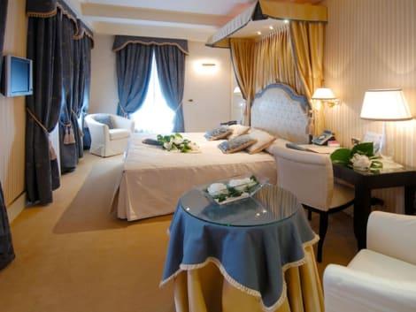 Hotel Hotel A La Commedia