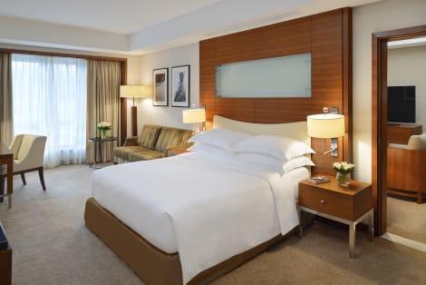 HotelMoevenpick Hotel & Apartments Bur Dubai