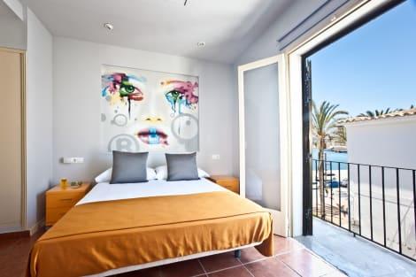 Hotel Ryans La Marina