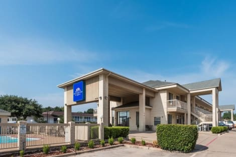 Americas Best Value Inn & Suites-Fort Worth South Hotel