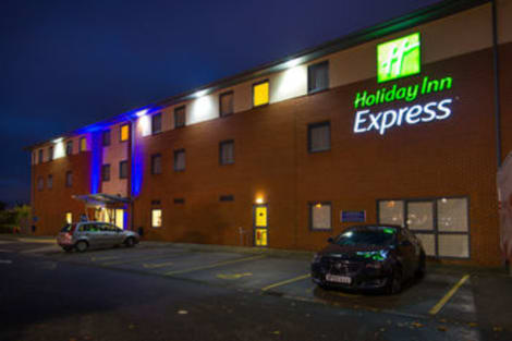 Holiday Inn Express BEDFORD Hotel