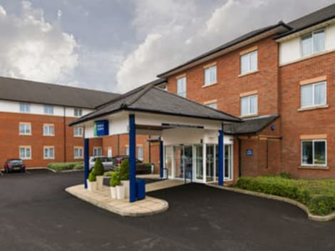 Holiday Inn Express LONDON GATWICK - CRAWLEY Hotel