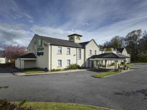 Holiday Inn Express GLENROTHES Hotel