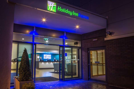 Holiday Inn Express MANCHESTER AIRPORT Hotel