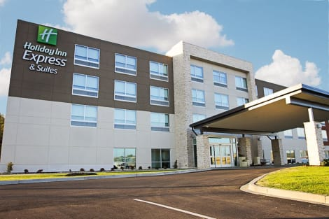 Holiday Inn Express & Suites GREENWOOD MALL Hotel