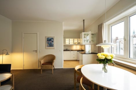 HotelAscot Apartments