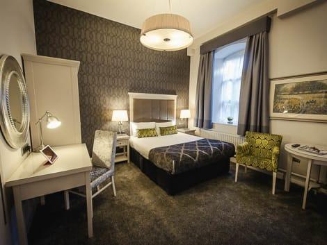 Hotel Isaacs Hotel