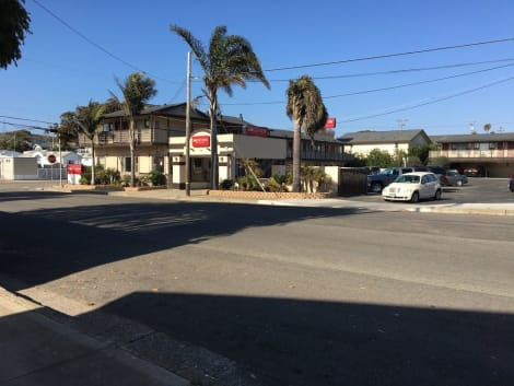Rockview Inn and Suites Hotel